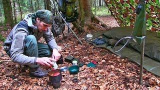 ค้างคืนในป่า การทำอาหารในป่า ลูกชิ้น, มะเขือเทศ, ข้าว