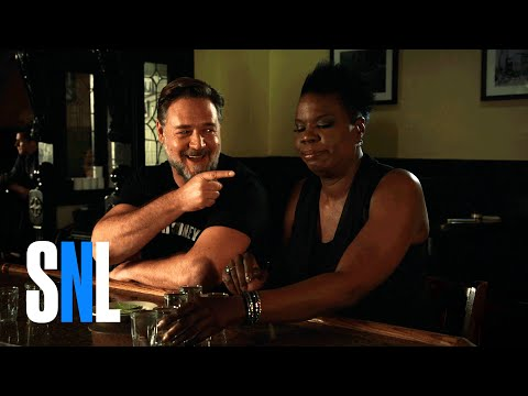 Thumbnail: SNL Host Russell Crowe and Leslie Jones Play a Drinking Game