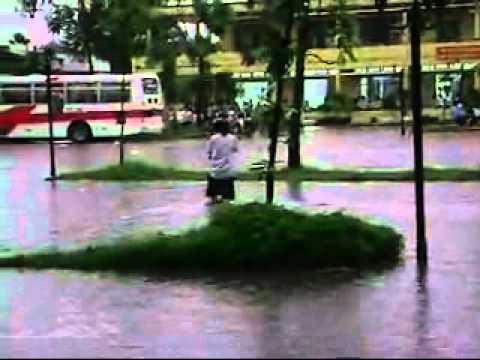 Hồ bơi Bình Chểu - ngập nghiêm trọng sau cơn mưa chều