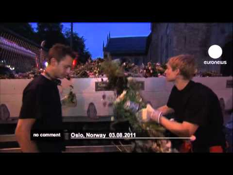 Norway massacre: Oslo  flower memorial cleared - no comment