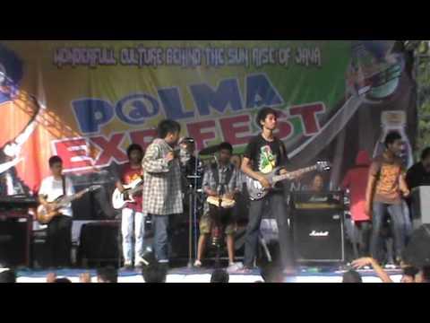 O2K2 performe P@lma EXP-FEST 2014 SMAN 2 GENTENG part 1#reggae