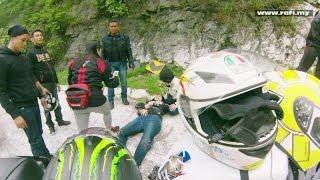 Yamaha R1 Crash Breaks In Two On Karak Highway