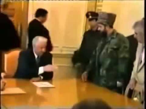 Ельцин уходит в отрыв!из YouTube · Длительность: 1 мин3 с