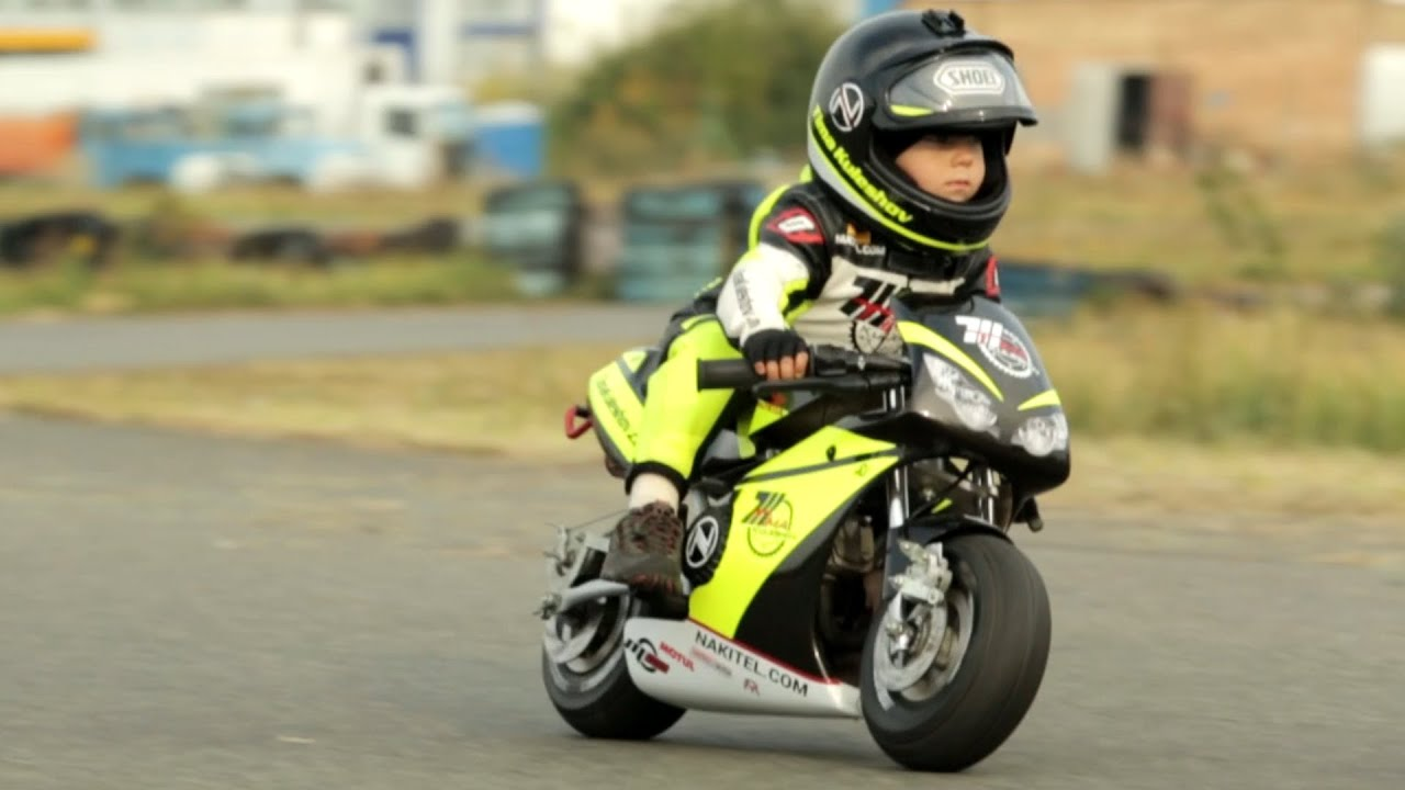 two year old motorcycle racer people are awesome