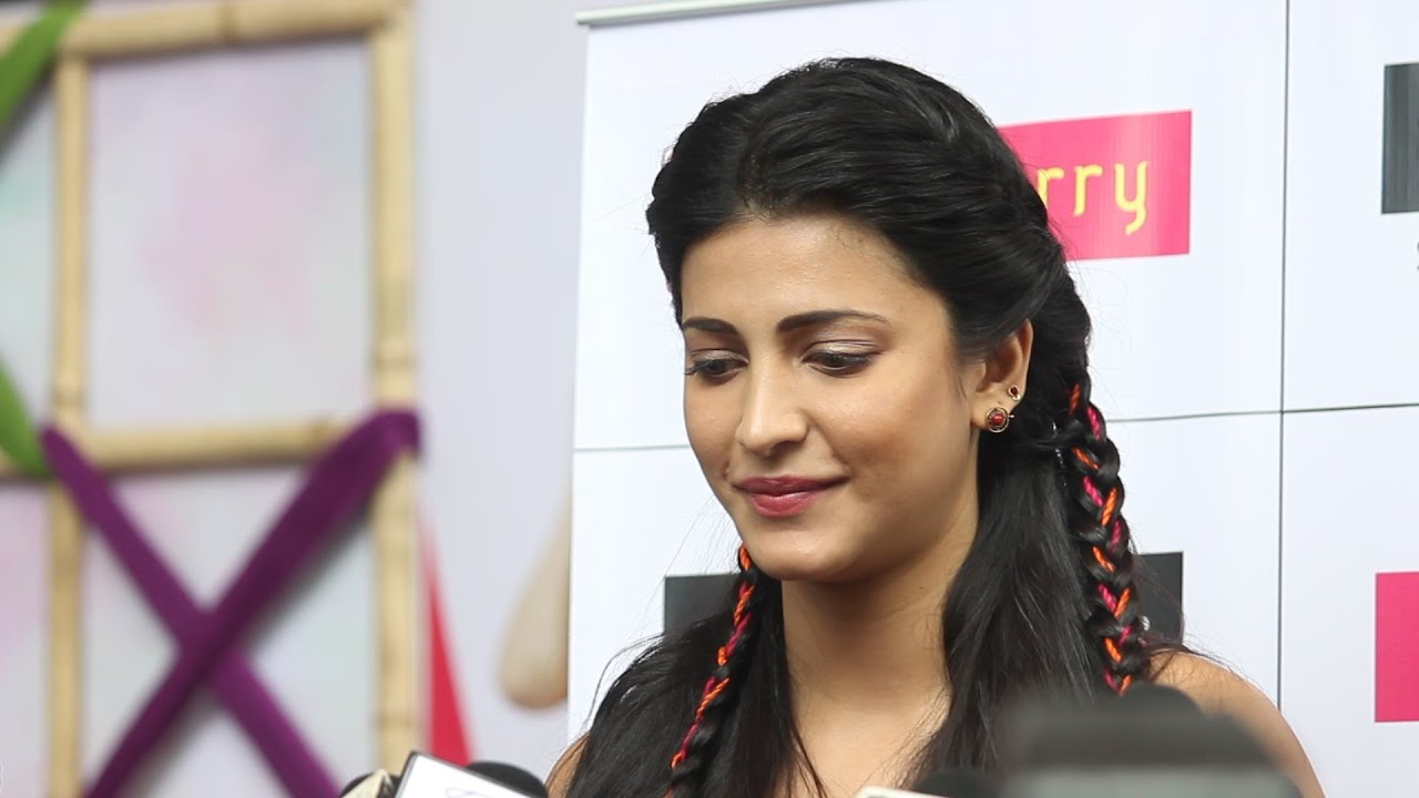 Image result for shruti haasan hot during interview