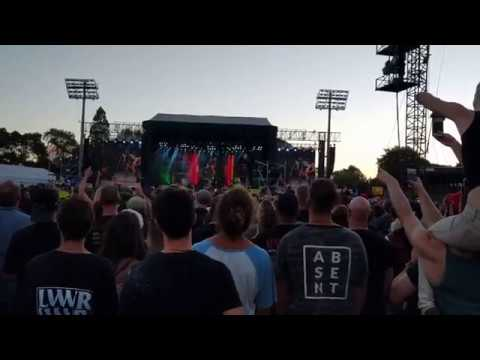 Guns N' Roses Live @ Western Springs Stadium, Auckland, New Zealand (4/2/2017) Welcome to the Jungle
