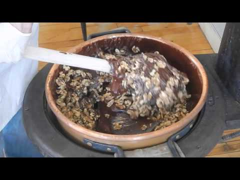 Download Youtube: Chocolate Walnut Fudge from Harbor Candy Shop in Ogunquit, Maine