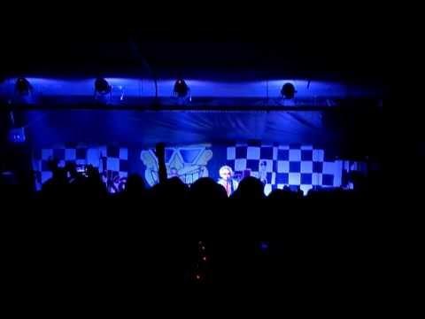 Toy Dolls - Nellie The Elephant (Live @ Laboratorio Crash! Bologna 08-03-2014)