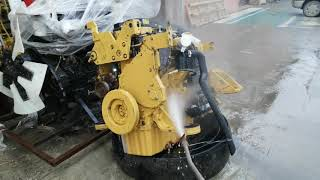 Реально - он жёлтый! Обязательно моем двигатель CATERPILLAR C9 перед ремонтом!