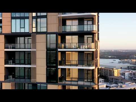 Experience Luxury Waterside Living