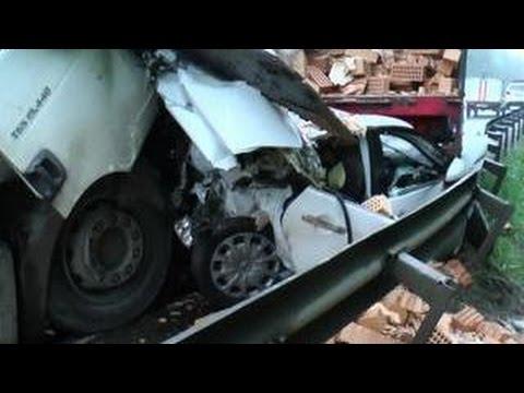 Под Калугой в машину врезался цементовоз