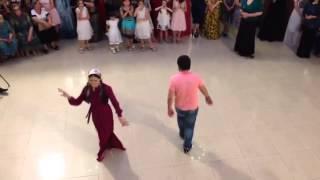 Чеченская Свадьба 2014 Красивая девушка танцует