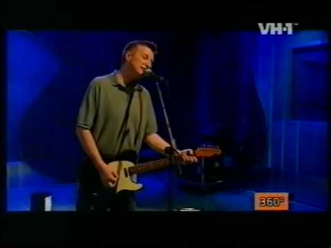 Billy Bragg - The Boy Done Good (Solo)