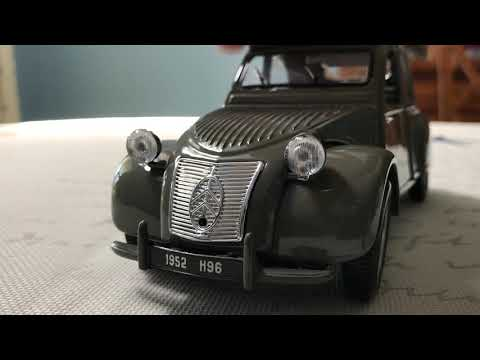 Review of 1952 Citroen 2CV by Maisto (Scale 1/18)