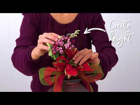 How to decorate a lantern for Christmas