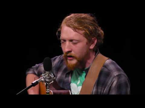 Tyler Childers - Keep Your Nose On The Grindstone
