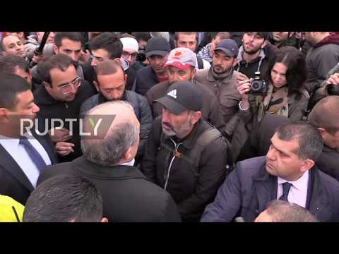 Armenia: Pres. Sarkissian makes an appearance at Yerevan protest