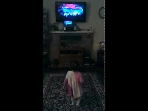Amazing 2 year old spinning dancer