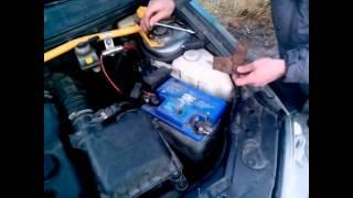 снятие и установка насоса омывателя с электродвигателем Лада Приора
