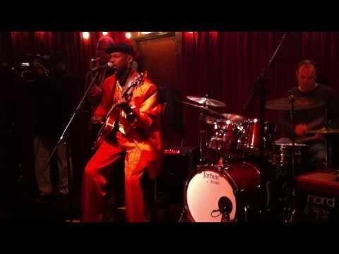"Walter ""Wolfman"" Washington, d.b.a. New Orleans, 12/3/2010"