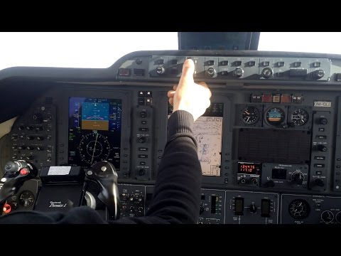 ✈Beechcraft Premier 1a - Multi-Camera Approach & Landing w/ ATC