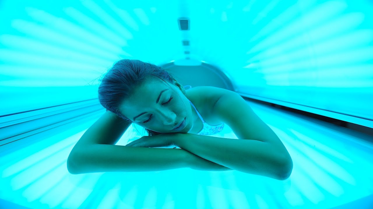 tanning beds and cancer Exposure to tanning beds increases the risk of melanoma, the deadliest form of skin cancer, said the aad, which reports that more than 419,000 cases of risk factors for all types of skin cancer include skin that burns easily, blond or red hair and a history of excessive sun exposure, including sunburns.