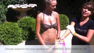 MAGIC PEEL EXFOLIATING GLOVE - BEST WAY HOW TO REMOVE A FAKE SPRAY TAN Thumbnail