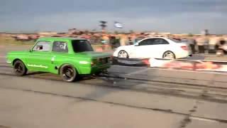 Видео   Заряженный Запорожец против Mercedes Benz C 63 AMG   Видеоролики на Sibnet