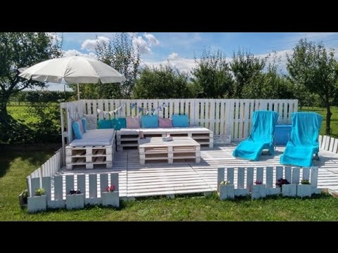 DIY Outdoor Patio With Pallets
