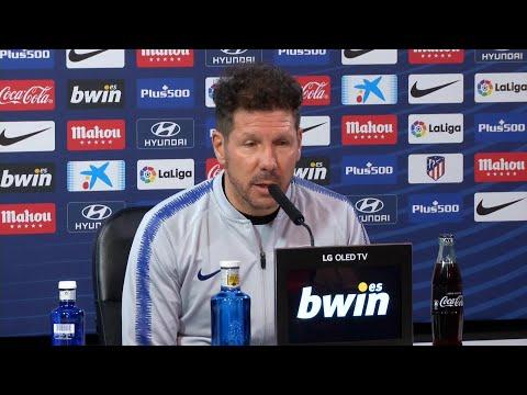 La rueda de prensa de Simeone en el Atlético de Madrid.mp4