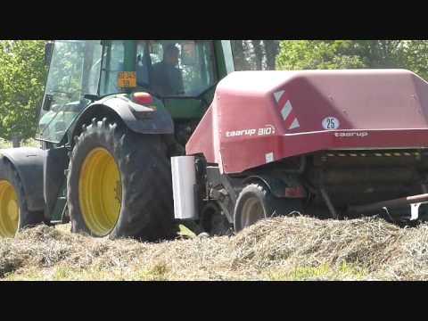 Pressage du foin avec Taruup BIO - hay balling in France