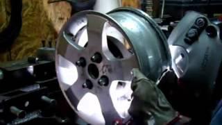 Сварка литого диска(«Инструменталлика» - интернет магазин http://www.instrumentallica.com.ua Оборудование и расходные материалы для шиномонта..., 2013-03-11T08:51:28.000Z)