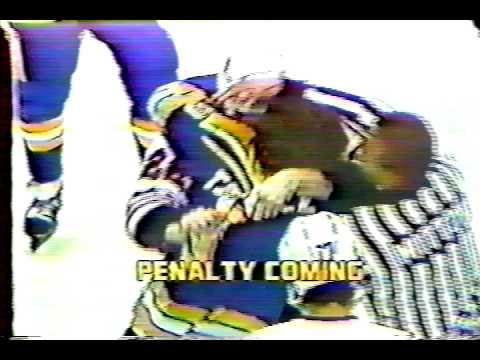 Perry Turnbull vs Grant Mulvey 03-28-82