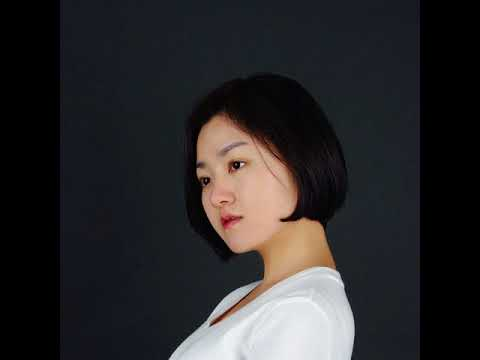 1469:Eva Yoo is originally from Seoul and now works as a writer at TechNode