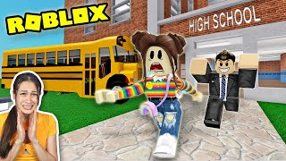 ROBLOX ESCAPE SCHOOL: ONTSNAPPEN AAN DE ENGE LERAAR! -OBBY- || Let's Play Wednesday