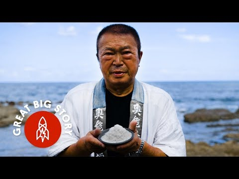 Watch this Japanese man harvest salt from the sea using a traditional method