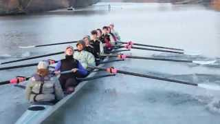 Cambridge rowers training VERY early in the morning