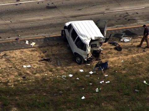 Raw: Eight-Vehicle Fatal Crash Near Atlanta