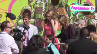 Victory Van Tuyl at 26th Annual Kids Choice Awards in LA Thumbnail