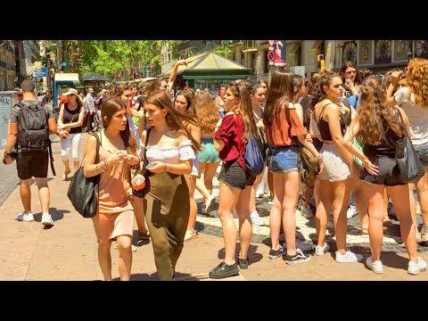Barcelona Walk - LA RAMBLA Famous Tourist Street - Spain