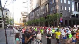 Pittsburgh Marathon 2013: Start of corrals A, B (and C?)