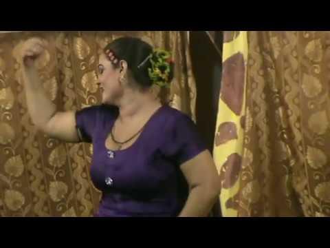 Boob Show Mujra in Gujranwala..!! thumbnail