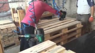 видео: Поддоны, быстрая сбойка европаллет http://kado.prom.ua/