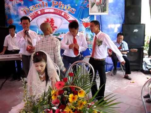 chú rể cũng nhảy đám cưới mình