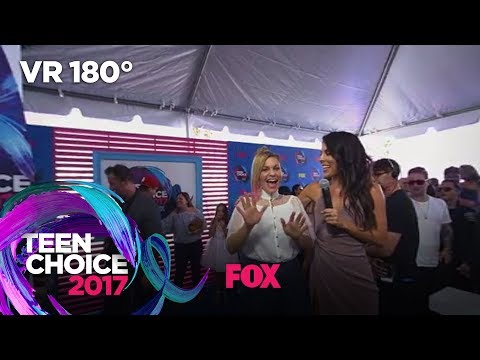 Candace Cameron Bure Talks Winning The Choice Comedy TV Actress Award | TEEN CHOICE