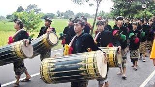 Tradisi Nyongkolan Asal Lombok Di Iringi Gamelan__Lombok Traditional