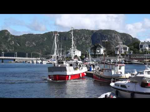 How to park your fishing boat in Farsund !