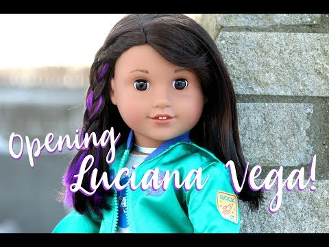 OPENING GOTY 2018 LUCIANA VEGA! | American Girl Place NYC Haul!