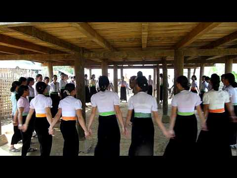 Tai Don Xoe Dance in Mường Tè (part 1)