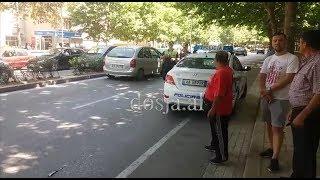 Dosja.al - Aksident në Tiranë, auto-ambulanca përplas këmbësoren, e transporton në spital